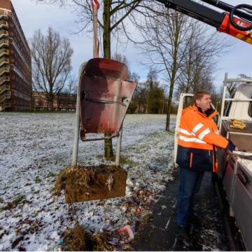 Gildebor in Hengelo begint met het terugplaatsen van afvalbakken
