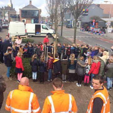 Gildebor viert Boomplantfeest met leerlingen Titus Brandsmaschool